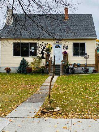 Photo 2: 10821 112 Street NW in Edmonton: Zone 08 House for sale : MLS®# E4217420