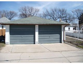 Photo 5: 824 BANNERMAN Avenue in WINNIPEG: North End Residential for sale (North West Winnipeg)  : MLS®# 2805965