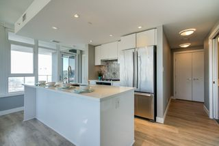 Photo 5: 1802 8538 RIVER DISTRICT Crossing in Vancouver: South Marine Condo for sale (Vancouver East)  : MLS®# R2402845