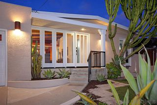 Photo 2: BAY PARK House for sale : 4 bedrooms : 4944 Lillian Street in San Diego