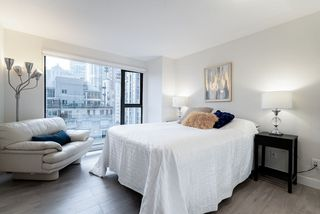 "Photo 6: 1301 1155 HOMER Street in Vancouver: Yaletown Condo for sale in ""CITY CREST"" (Vancouver West)  : MLS®# R2422063"