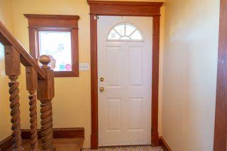 Photo 3: 9208 85 Street in Edmonton: Zone 18 House for sale : MLS®# E4181833