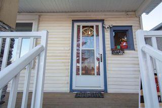 Photo 2: 9208 85 Street in Edmonton: Zone 18 House for sale : MLS®# E4181833