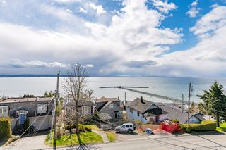 "Photo 30: 15141 COLUMBIA Avenue: White Rock House for sale in ""WHITE ROCK HILLSIDE"" (South Surrey White Rock)  : MLS®# R2449105"