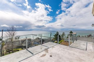 "Photo 1: 15141 COLUMBIA Avenue: White Rock House for sale in ""WHITE ROCK HILLSIDE"" (South Surrey White Rock)  : MLS®# R2449105"