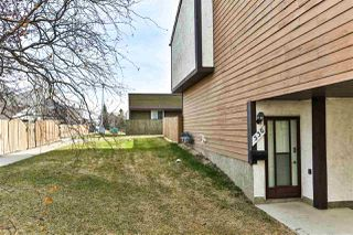 Photo 1: 536 Willow Court in Edmonton: Zone 20 Townhouse for sale : MLS®# E4195268