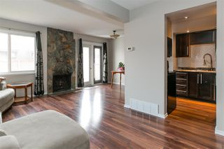 Photo 3: 536 Willow Court in Edmonton: Zone 20 Townhouse for sale : MLS®# E4195268