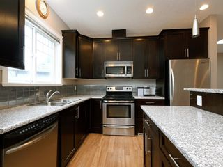 Photo 4: 949 Glen Willow Pl in Langford: La Glen Lake House for sale : MLS®# 844943
