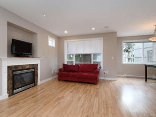 Photo 2: 949 Glen Willow Pl in Langford: La Glen Lake Single Family Detached for sale : MLS®# 844943