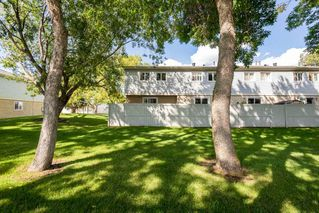 Photo 3: 9 2030 BRENTWOOD Boulevard: Sherwood Park Townhouse for sale : MLS®# E4211743