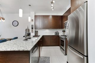 Photo 8: 419 101 MORRISSEY Road in Port Moody: Port Moody Centre Condo for sale : MLS®# R2492199