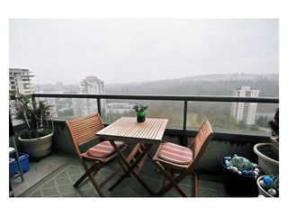 "Photo 7: # 2204 3970 CARRIGAN CT in Burnaby: Government Road Condo for sale in ""DISCOVER PLACE"" (Burnaby North)  : MLS®# V861085"