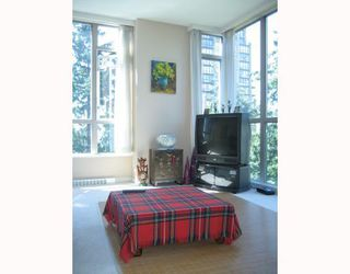 """Photo 2: 703 6888 STATION HILL Drive in Burnaby: South Slope Condo for sale in """"CITY IN THE PARK"""" (Burnaby South)  : MLS®# V689025"""