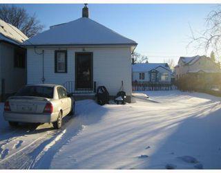 Photo 2: 351 LARSEN Avenue in WINNIPEG: East Kildonan Residential for sale (North East Winnipeg)  : MLS®# 2802173