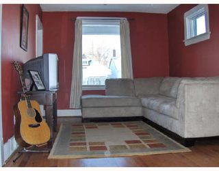 Photo 3: 351 LARSEN Avenue in WINNIPEG: East Kildonan Residential for sale (North East Winnipeg)  : MLS®# 2802173