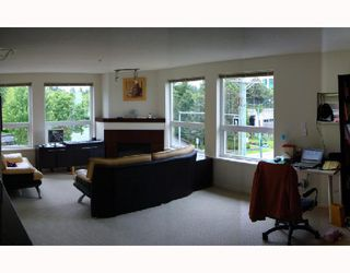 "Photo 4: 310 6888 SOUTHPOINT Drive in Burnaby: South Slope Condo for sale in ""CORTINA"" (Burnaby South)  : MLS®# V714781"
