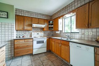 Photo 5: 5845 179 Street in Surrey: Cloverdale BC House for sale (Cloverdale)  : MLS®# R2390304