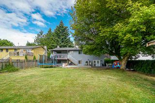 Photo 15: 5845 179 Street in Surrey: Cloverdale BC House for sale (Cloverdale)  : MLS®# R2390304