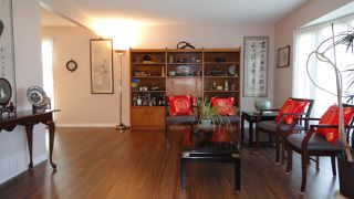 Photo 3: 1422 104 Street NW in Edmonton: Zone 16 House for sale : MLS®# E4168325