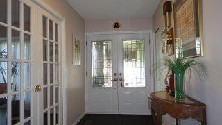 Photo 2: 1422 104 Street NW in Edmonton: Zone 16 House for sale : MLS®# E4168325