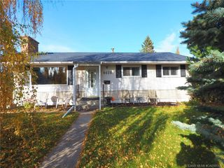 Photo 2: 4426 33A Street in Red Deer: RR Mountview Residential for sale : MLS®# CA0181326