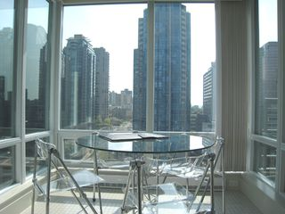 Photo 9: 1404 499 BROUGHTON STREET in DENIA @ Waterfront Place: Home for sale