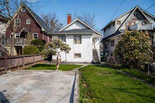 "Photo 5: 2142 NAPIER Street in Vancouver: Grandview Woodland House for sale in ""Grandview Woodland"" (Vancouver East)  : MLS®# R2450268"