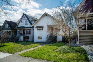 "Photo 3: 2142 NAPIER Street in Vancouver: Grandview Woodland House for sale in ""Grandview Woodland"" (Vancouver East)  : MLS®# R2450268"