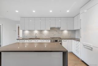 """Photo 5: 1702 3487 BINNING Road in Vancouver: University VW Condo for sale in """"ETON"""" (Vancouver West)  : MLS®# R2486795"""
