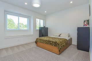 "Photo 28: 13822 HYLAND Road in Surrey: East Newton House for sale in ""EAST NEWTON"" : MLS®# R2487337"