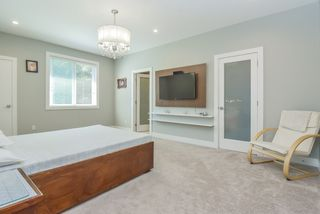 "Photo 23: 13822 HYLAND Road in Surrey: East Newton House for sale in ""EAST NEWTON"" : MLS®# R2487337"