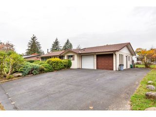 Photo 4: 2494 CAMERON Crescent in Abbotsford: Abbotsford East House for sale : MLS®# R2517592
