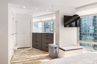 """Photo 9: 1606 1288 ALBERNI Street in Vancouver: West End VW Condo for sale in """"THE PALISADES"""" (Vancouver West)  : MLS®# R2523792"""