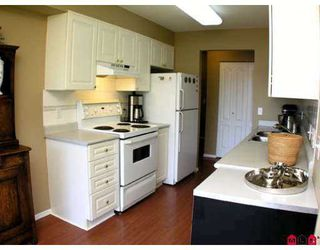 "Photo 2: 203 20443 53RD Avenue in Langley: Langley City Condo for sale in ""COUNTRYSIDE ESTATES"" : MLS®# F2717935"