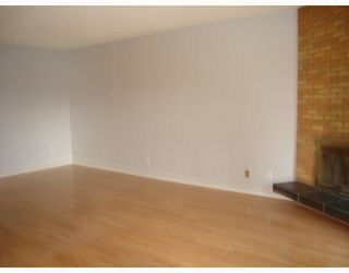 Photo 3:  in CALGARY: Forest Lawn Residential Attached for sale (Calgary)  : MLS®# C3291188
