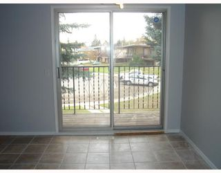 Photo 5:  in CALGARY: Forest Lawn Residential Attached for sale (Calgary)  : MLS®# C3291188
