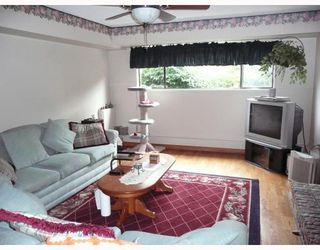 Photo 2: 10531 SPRINGHILL in Richmond: Steveston North House for sale : MLS®# V697760