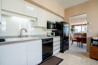"Photo 8: 1103 5967 WILSON Avenue in Burnaby: Metrotown Condo for sale in ""PLACE MERIDIAN"" (Burnaby South)  : MLS®# R2416441"