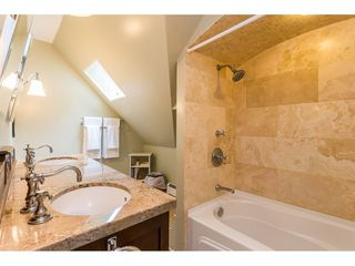 """Photo 12: 21528 124 Avenue in Maple Ridge: West Central House for sale in """"SHADY LANE"""" : MLS®# R2417796"""