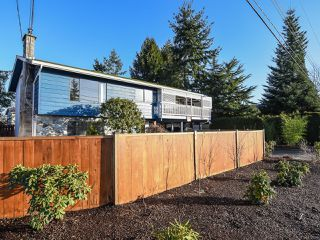 Photo 2: 638 Woodland Dr in COMOX: CV Comox (Town of) House for sale (Comox Valley)  : MLS®# 832419