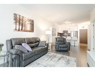 Photo 4: 306 15138 34 Avenue in Surrey: Morgan Creek Condo for sale (South Surrey White Rock)  : MLS®# R2437767