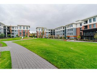 Photo 16: 306 15138 34 Avenue in Surrey: Morgan Creek Condo for sale (South Surrey White Rock)  : MLS®# R2437767