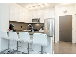 Photo 5: 306 15138 34 Avenue in Surrey: Morgan Creek Condo for sale (South Surrey White Rock)  : MLS®# R2437767
