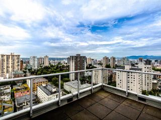 "Photo 17: PH3 1050 SMITHE Street in Vancouver: West End VW Condo for sale in ""STERLING"" (Vancouver West)  : MLS®# R2495075"