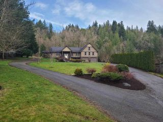 Photo 2: 48213 AUCHENWAY Road in Chilliwack: Chilliwack River Valley House for sale (Sardis)  : MLS®# R2524256