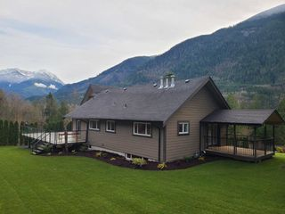 Photo 22: 48213 AUCHENWAY Road in Chilliwack: Chilliwack River Valley House for sale (Sardis)  : MLS®# R2524256
