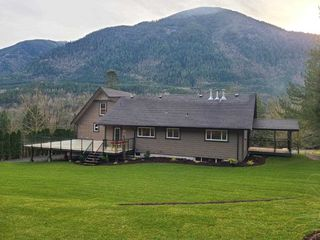 Photo 21: 48213 AUCHENWAY Road in Chilliwack: Chilliwack River Valley House for sale (Sardis)  : MLS®# R2524256