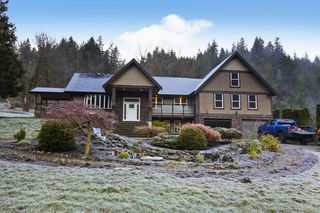 Photo 1: 48213 AUCHENWAY Road in Chilliwack: Chilliwack River Valley House for sale (Sardis)  : MLS®# R2524256