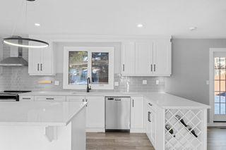 Photo 8: 552 WAHSTAO Road in Edmonton: Zone 22 House for sale : MLS®# E4224947
