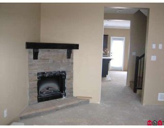 """Photo 3: 6 6498 SOUTHDOWNE Place in Sardis: Sardis East Vedder Rd Townhouse for sale in """"VILLAGE GREEN IN HIGGINSON"""" : MLS®# H2703179"""